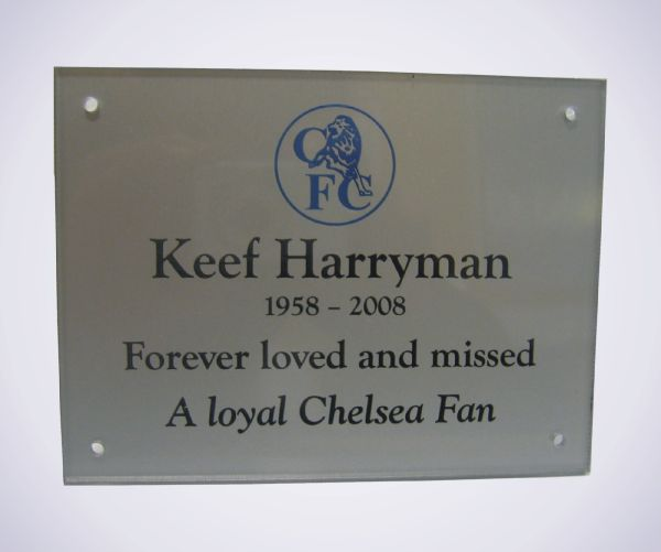 cast-acrylic-memorial-wall-plaque