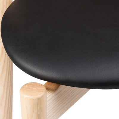 Boston Chair Black Seat Natural Frame Detail