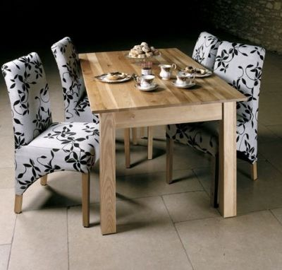 Warminster 4-6 Seater Solid Oak Table 1