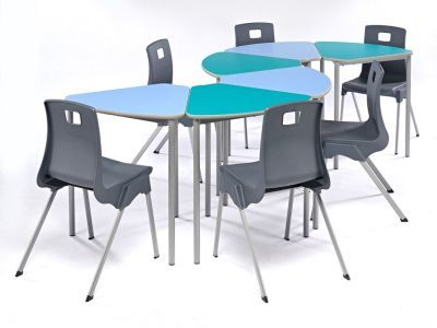 Segat Modular Table With Chairs Wave Formation