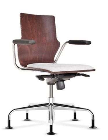 Converse Designer Swivel Conference Chair With Arms And An Upholstered Seat
