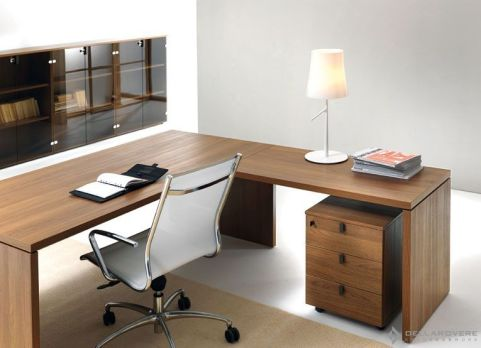 Lithos Executive Desk With Return And Pedestal