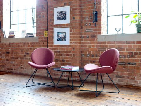 Giggle-chairs-and-matching-table