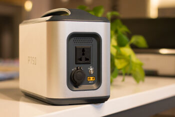 750Wh Portable Power Station