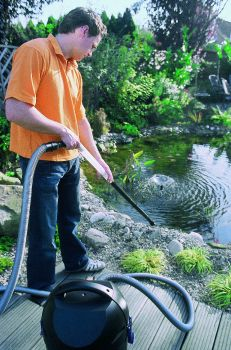 PondoMatic Pond Vacuum Cleaner