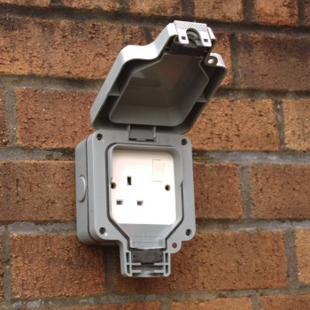 Single 13A Outdoor Electrical Socket IP66