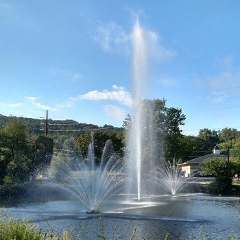 Grand SuperNova Floating Fountain